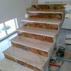 Piękne marmurowe schody