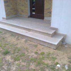 Kamienne schody zewnętrzne